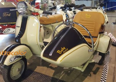 restauracion-de-motos-vespa-sidecar-clasisas-antiguas-minettacolor